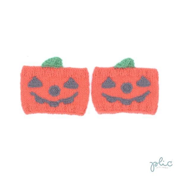 Bandes circulaires de 8cm de haut sur 11cm de large, réalisées au tricot par Plic et représentant des citrouilles décorées pour Halloween.
