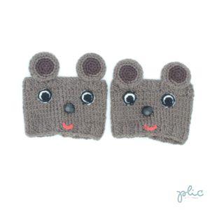 Bandes circulaires de 8cm de haut sur 11cm de large, réalisées au tricot par Plic et représentant la tête d'un ours brun.